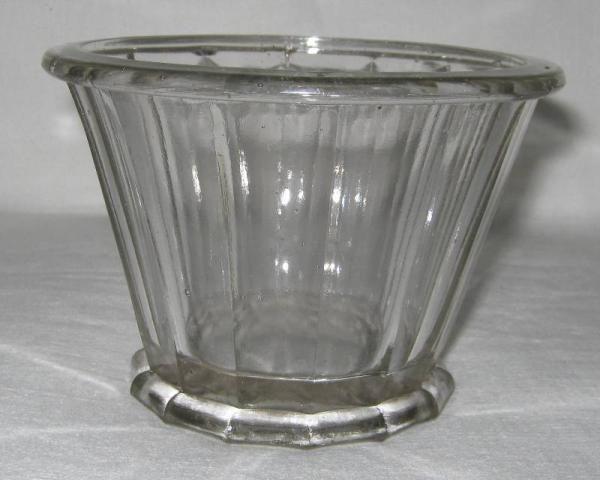 pot confiture ancien en verre de forme conique marqu portieux 375 anciens pots confiture. Black Bedroom Furniture Sets. Home Design Ideas
