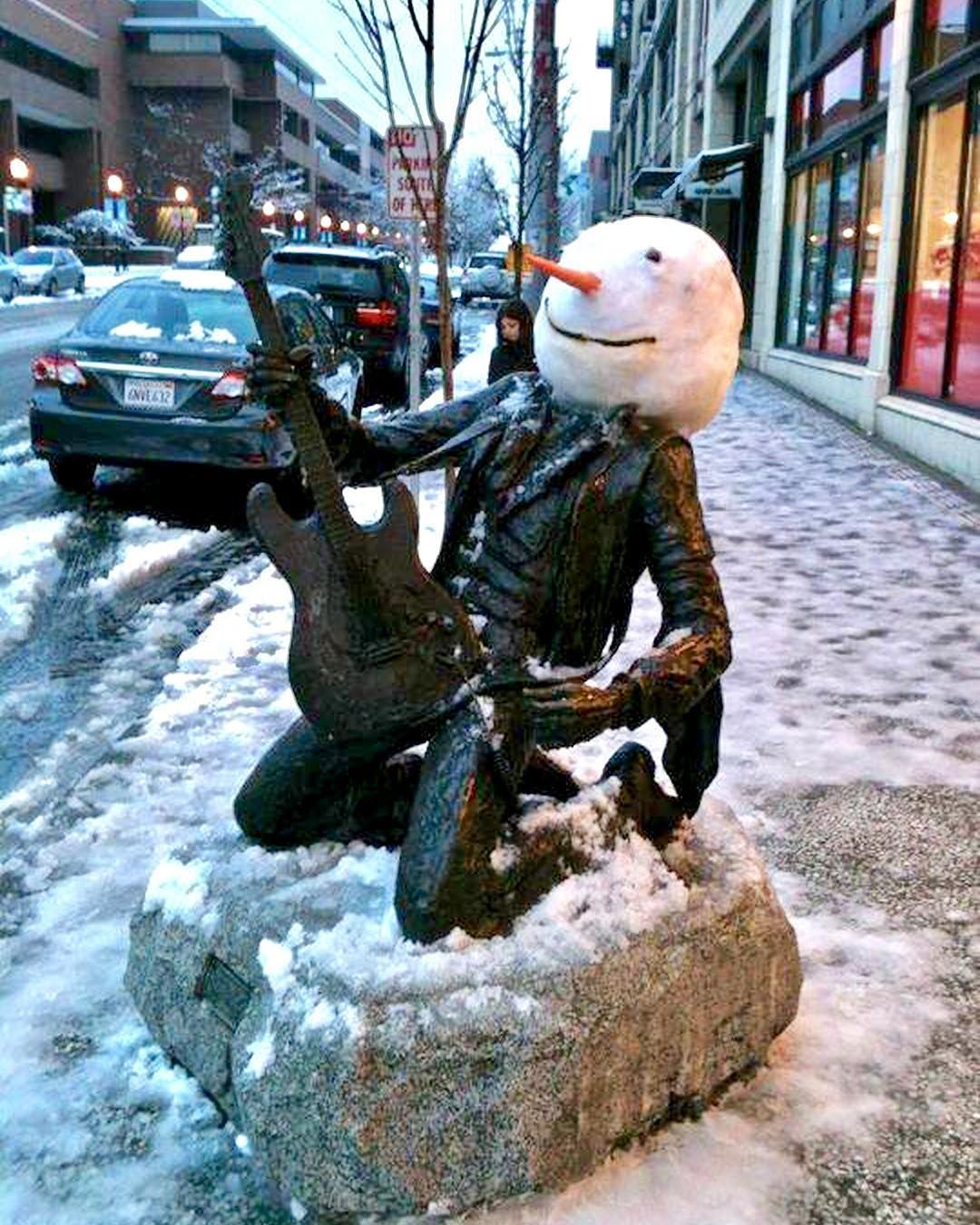 snow day in seattle the jimi hendrix memorial across the street from our house gay queer. Black Bedroom Furniture Sets. Home Design Ideas