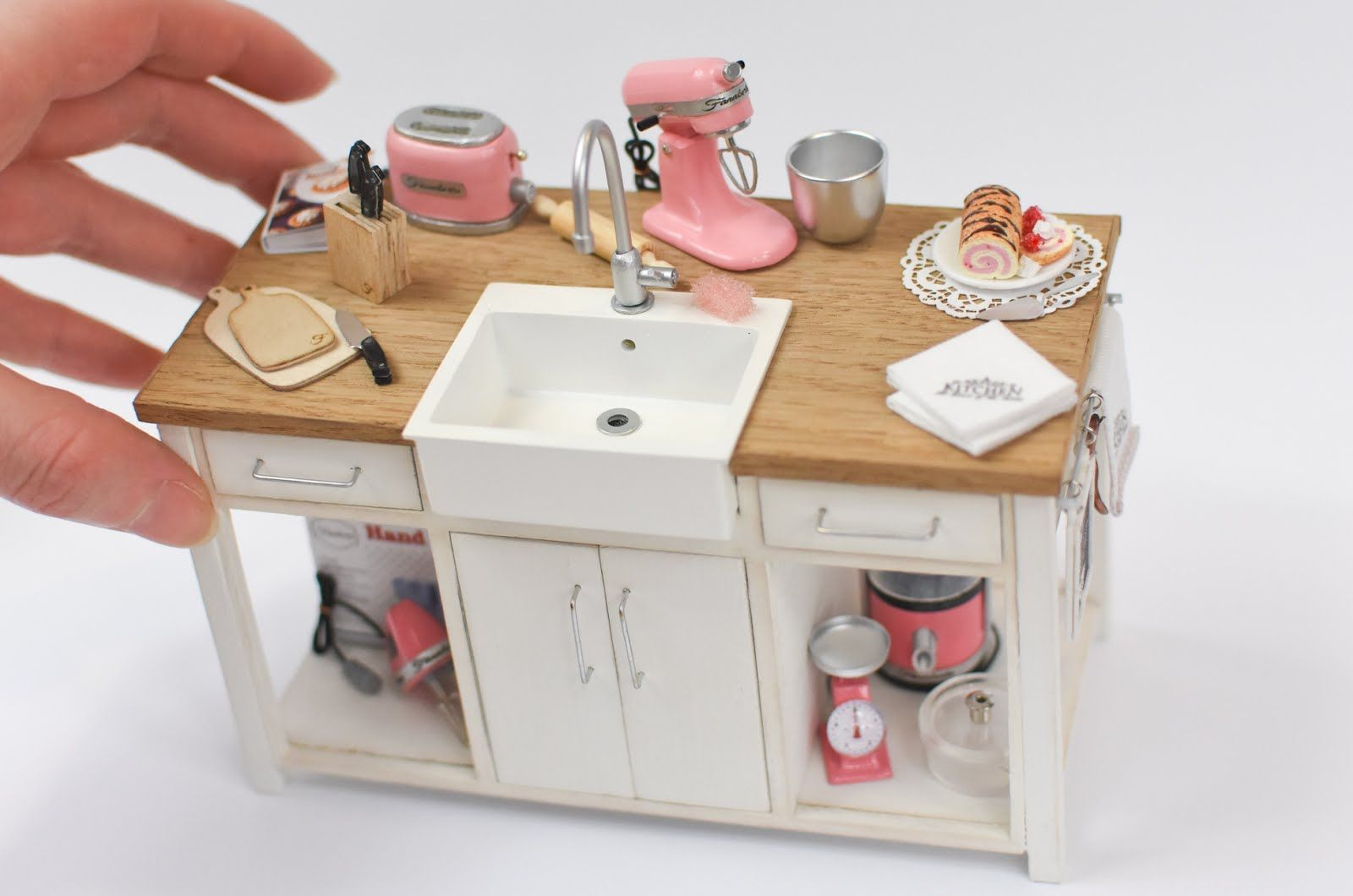 Kitchen Island With Sink Animals Miniature Kitchen Miniatures