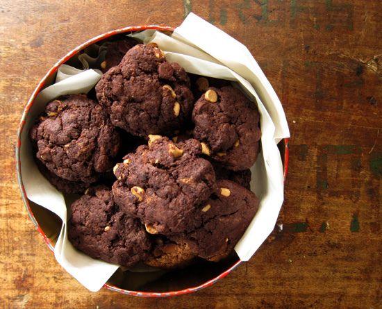 mocha brownie cookies (eggless!) by everybody likes sandwiches @ Poppytalk