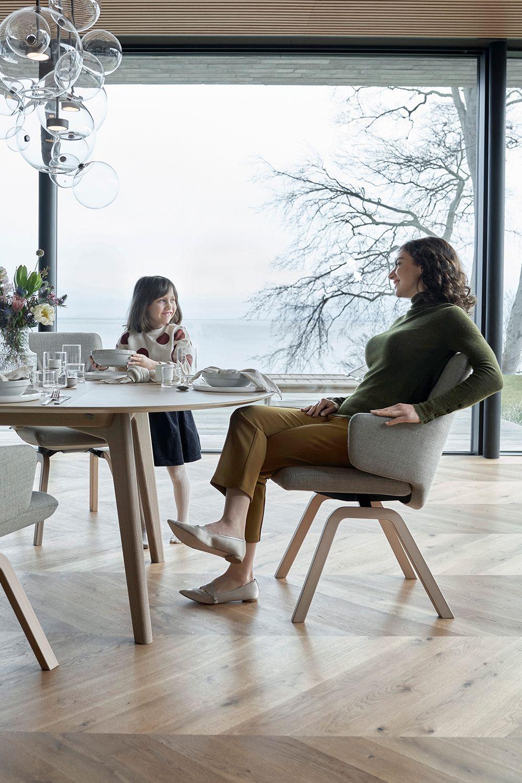 Alle Stressless Esszimmerstuhle Konnen Ihrem Einrichtungsstil Sowie Ihrem Personlichen Geschmack Und Ihren Be In 2020 Esszimmer Mobel Esszimmerstuhle Einrichtungsstil