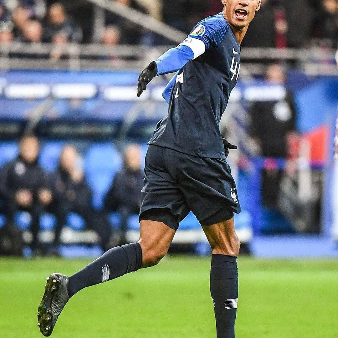 Real Madred On Instagram C Goal And The Captain S Armband Gol Y Brazalete De Captan Raphaelvarane France 2 1 Mol Captains Armbands Arm Band Captain