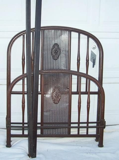 Antique Iron Bed With Side Rails I Love Iron Beds Pinterest