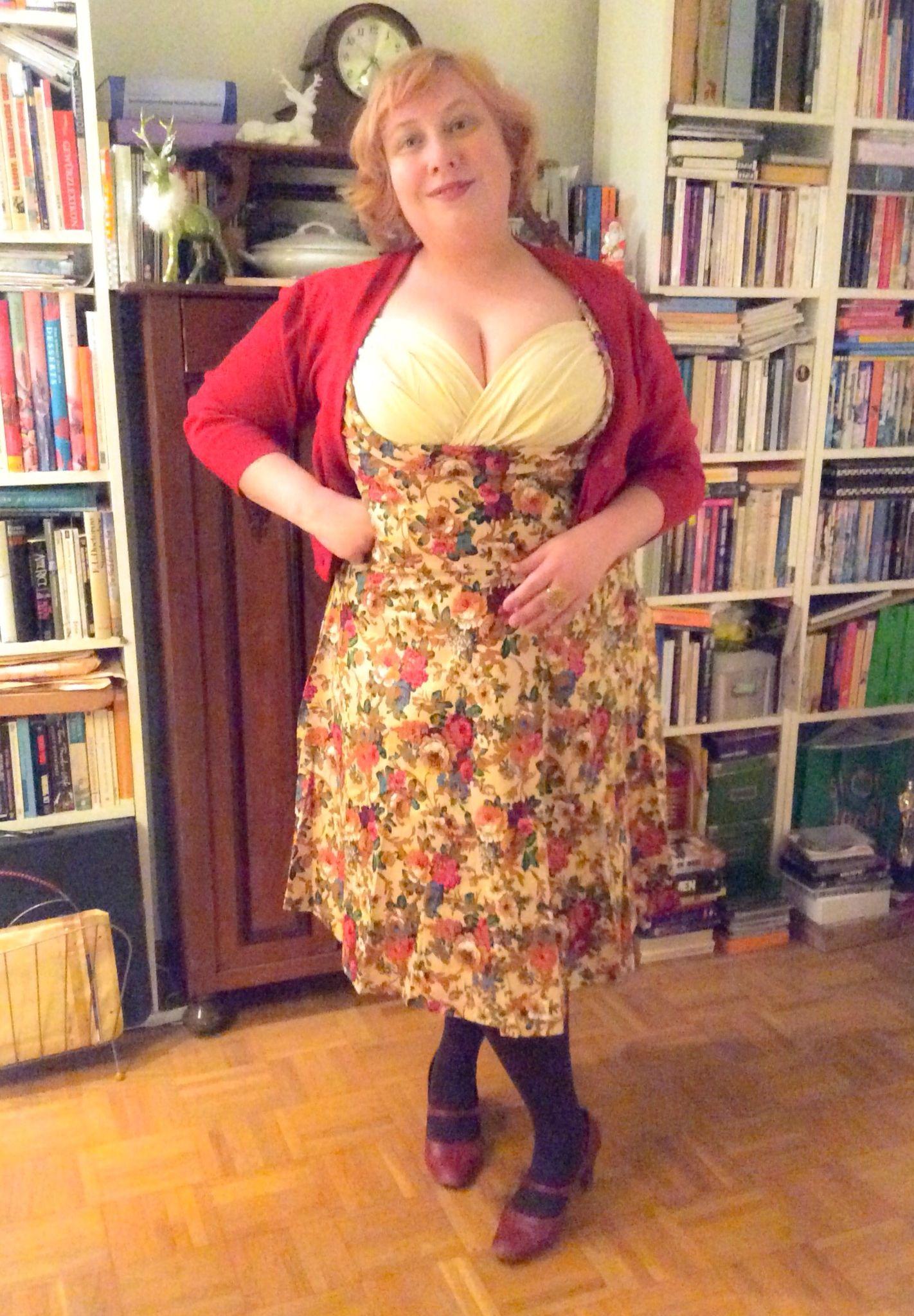 Ophelia Dress by #LindyBop Lindy Bop, cardie by #ModCloth ...