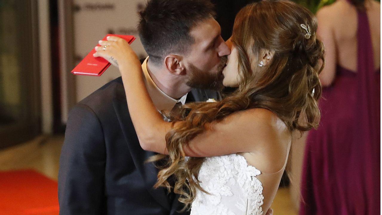 News Nach Faux Pas Bei Messi Das Sind Die Absoluten Hochzeit No Gos Http Ift Tt 2teqqsp Story Wedding Getting Married Strapless Wedding Dress