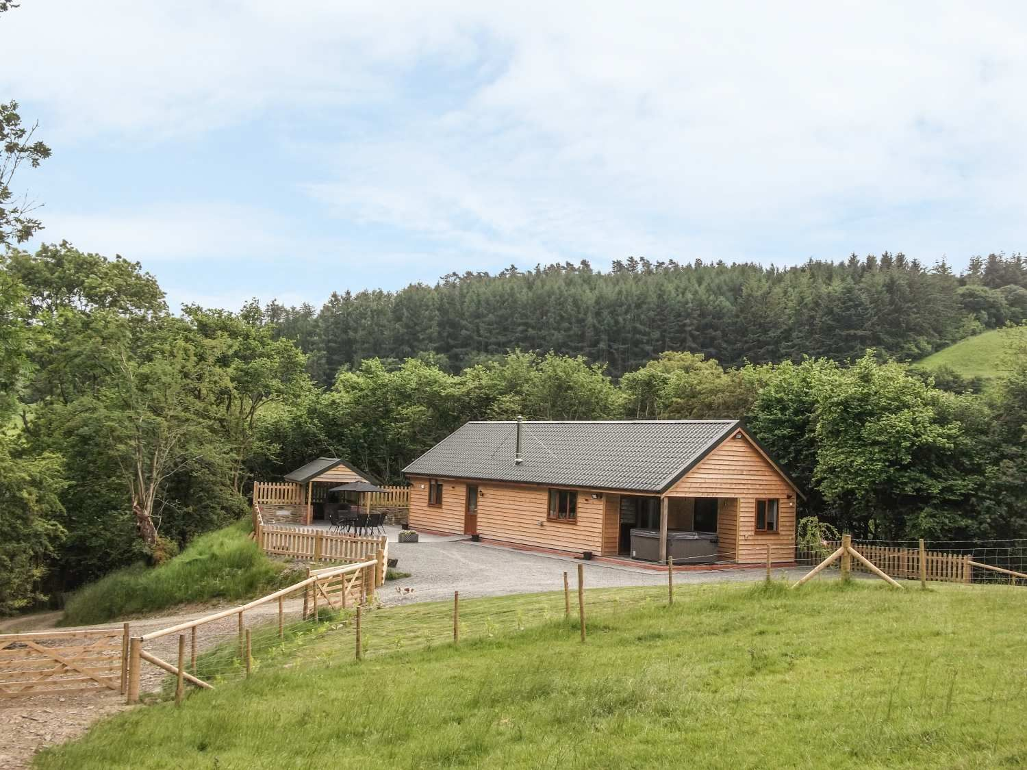 Ploony Hill Lodge from Sykes Holiday Cottages. Ploony Hill