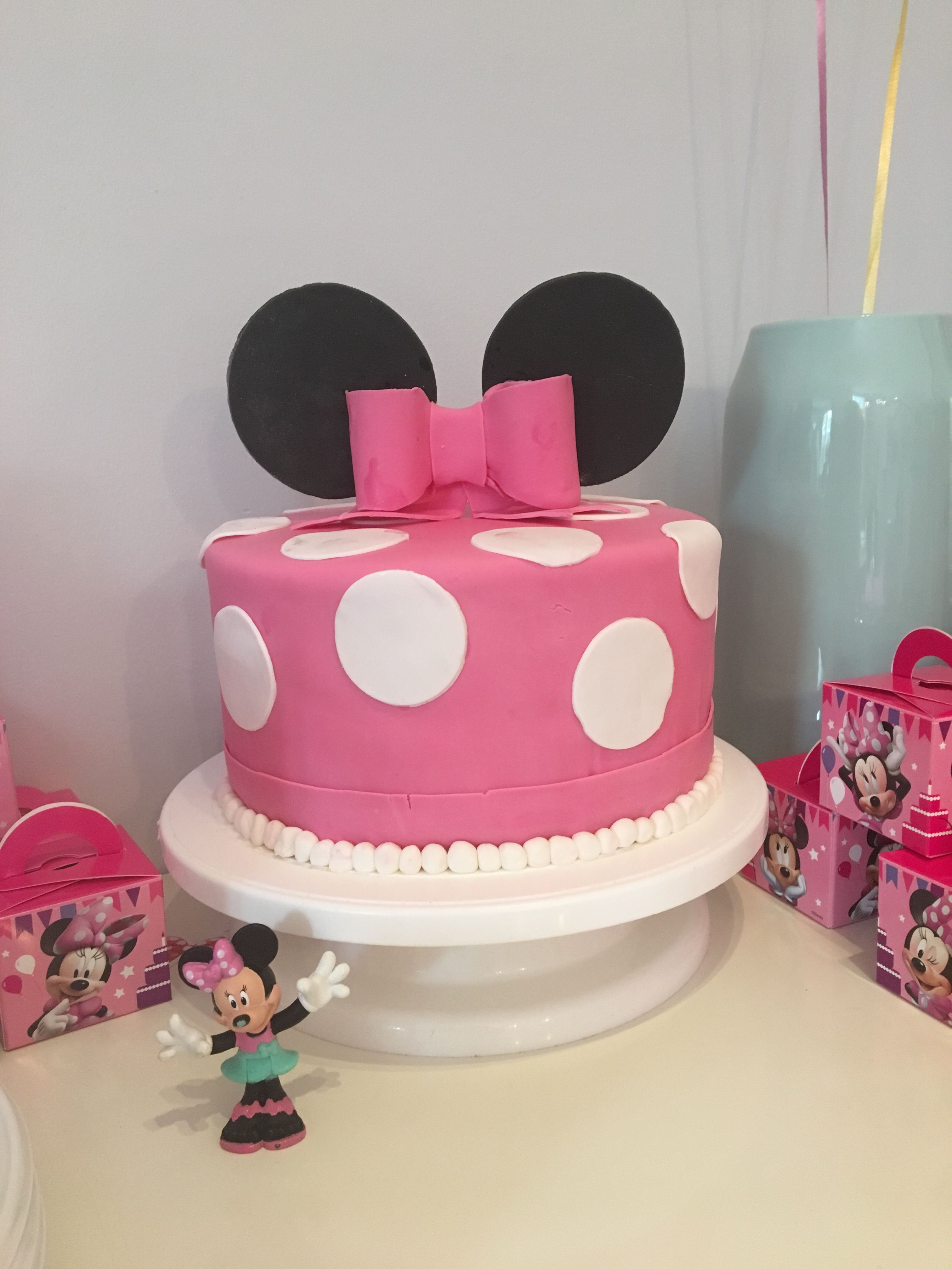 Minnie Mouse Cake 1 Layer Mouse Cake Minnie Mouse Cake Cake