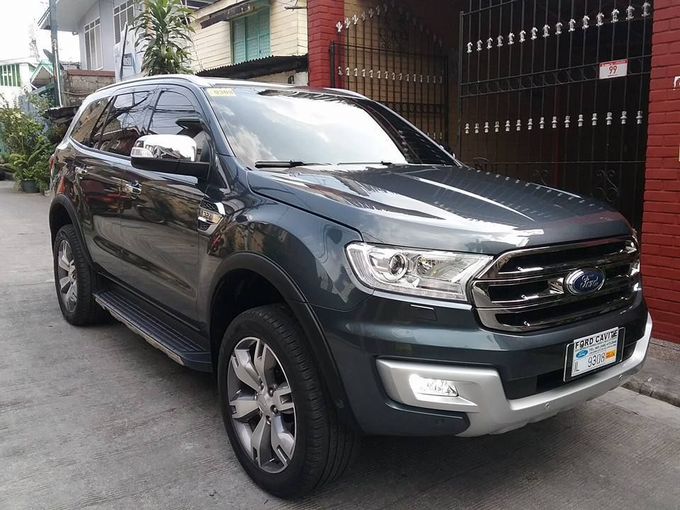 2016 Ford Everest Trend Motocicletas, Carritos