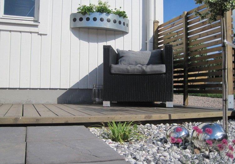 Vorgarten Gestalten Pflegeleicht Kiesel Metallkugeln In