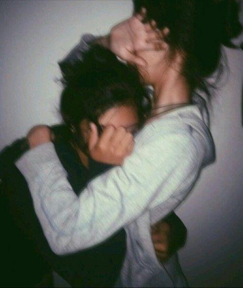 Girls Hugging Tumblr