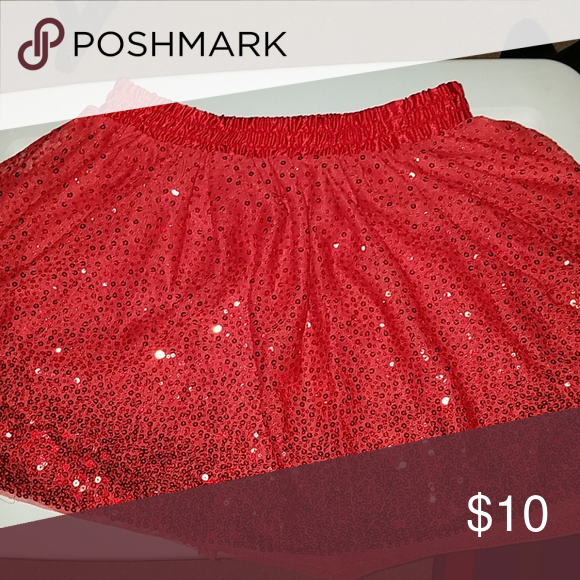 9fb400e4a Girls sequined skirt Red sequined skirt. Knee lenght. Size 14/16 Cat &
