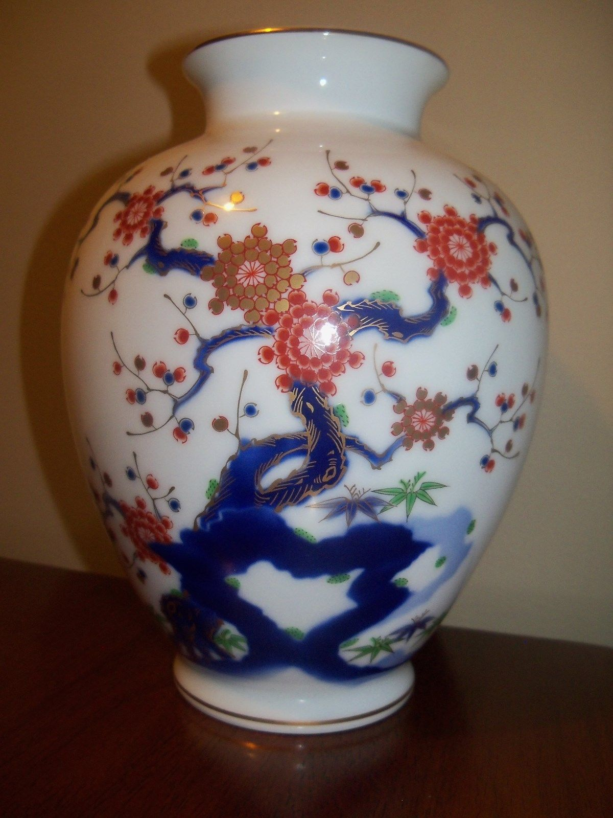 Fukagawa 838 x 65 vase plum tree stylized imari on white pottery reviewsmspy