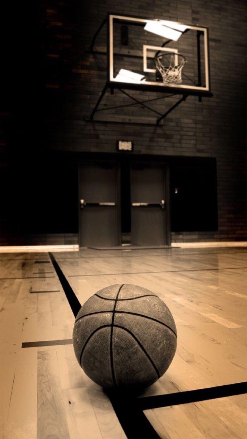 Pin By Yohith Boopathi On Michael Jordan Basketball Wallpaper Sports Basketball Basketball Background