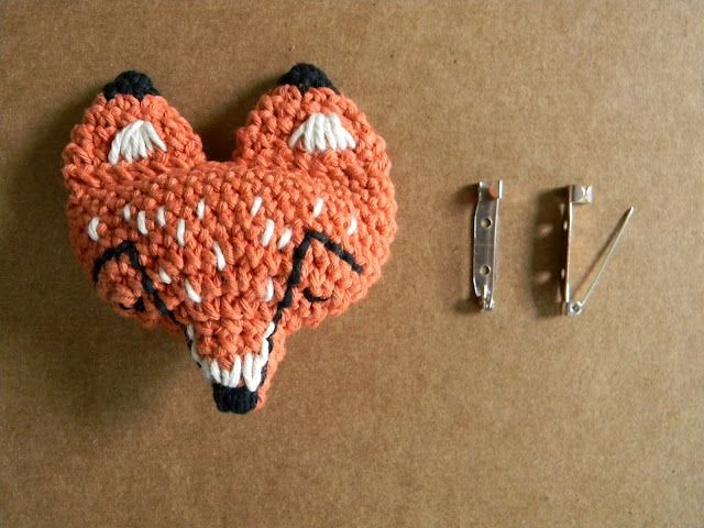 patrón prendedor zorro / fox pin pattern #picapau | crochet ...