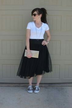 76b2d6184d tulle skirt, Converse | Converse | Black tulle skirt outfit, Skirt ...