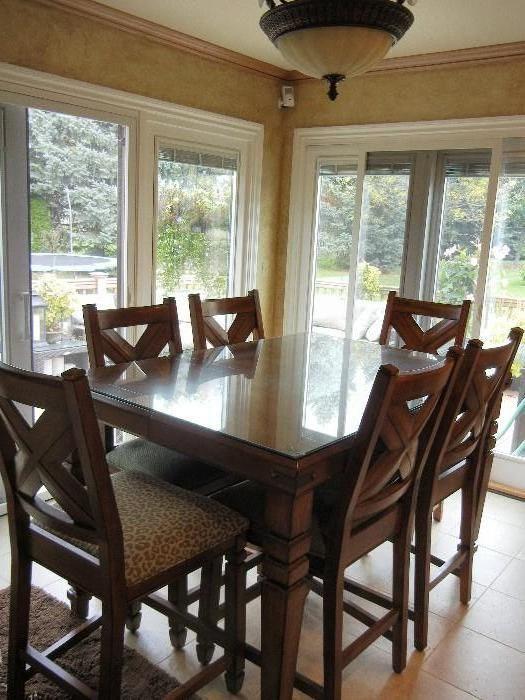 Found On Estatesales Net Tall Kitchen Table With 6 Chairs Tall