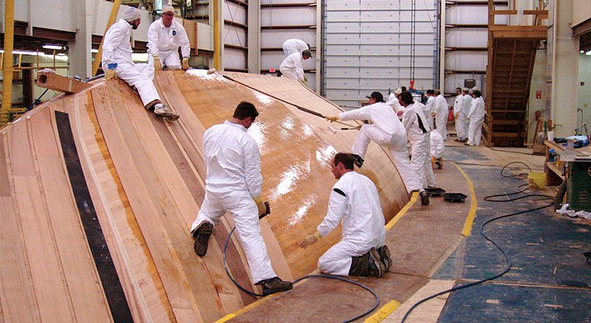Hodgdon yacht under construction The hull of this large cold-molded ...
