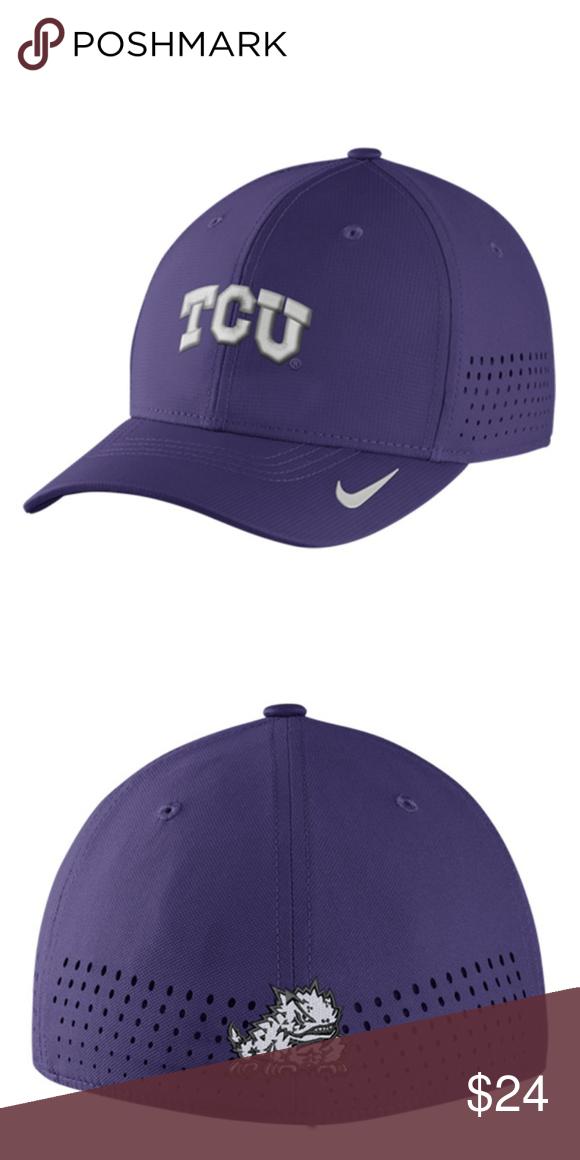 b7054237910 Nike TCU Horned Frogs Mens Purple Vapor Sideline 100% Polyester Mid Crown  Flex fit Curved