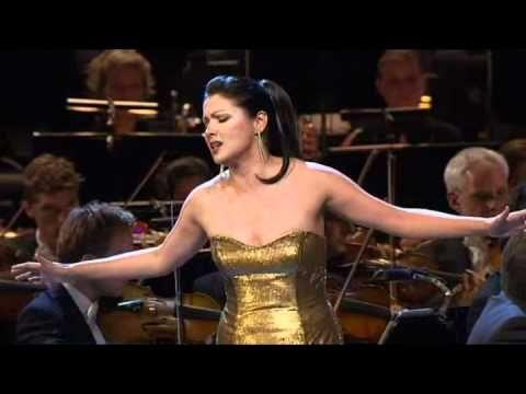 Anna Netrebko Norma Casta Diva Vincenzo Bellini New Year Concert Opera Singers Classical Music