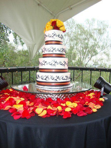 My Photo Al Yellow Cakesred Weddingwedding Photoswedding Decorwedding