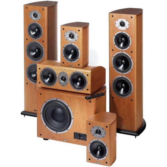 mini hifi system with wooden speakers
