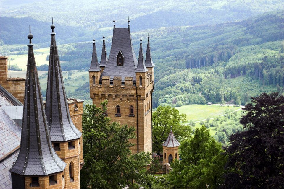 The Towers Of Burg Hohenzollern Swabian Alb Germany Castelli Stoccarda