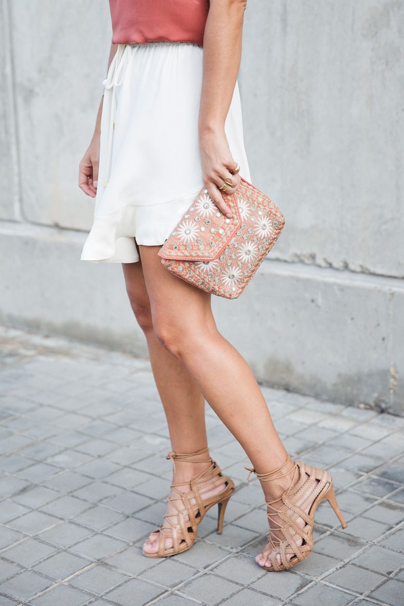 Madrid_Fashion-Week-Juan_Vidal-Priceless-Backless_Top-White_Skirt-Lace_Up_Sandals-Outfit-Street_Style-6