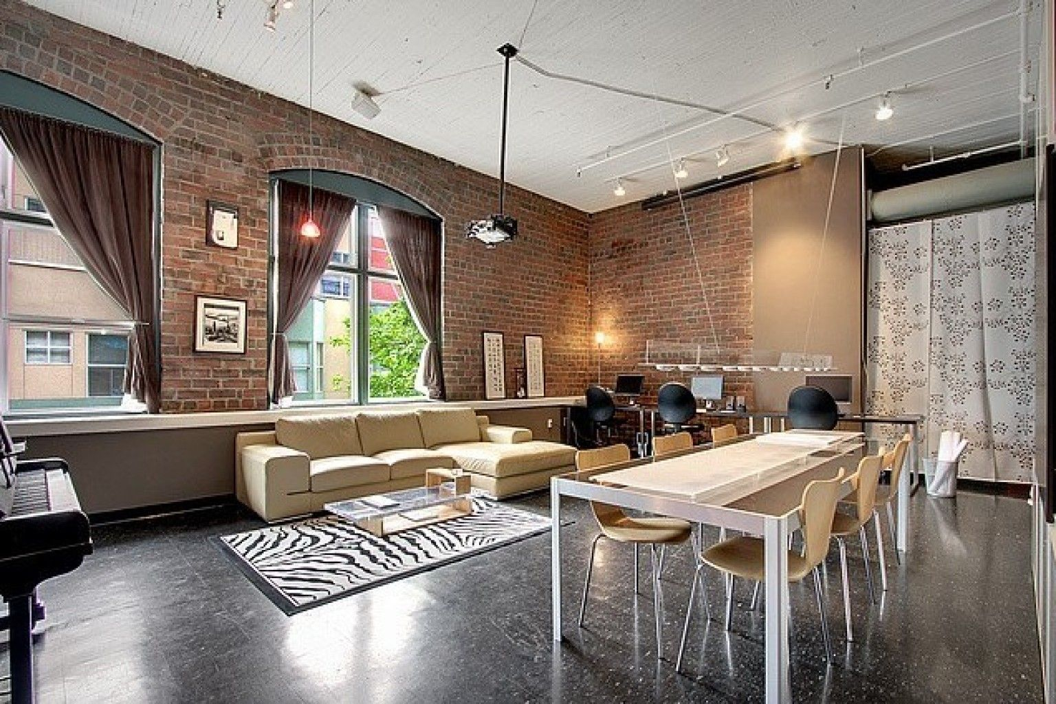 Photos 8 converted homes that used to be factories bricks - An office turned into a home ...