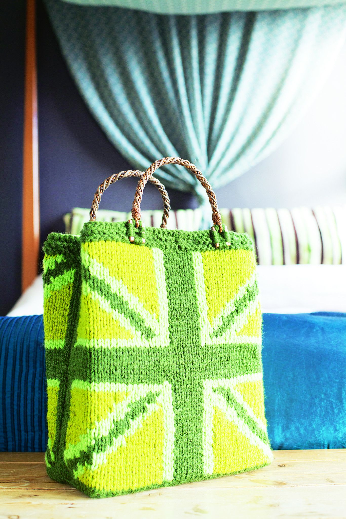 Tote Bag With Union Jack Pattern Shop The Knitting Pattern