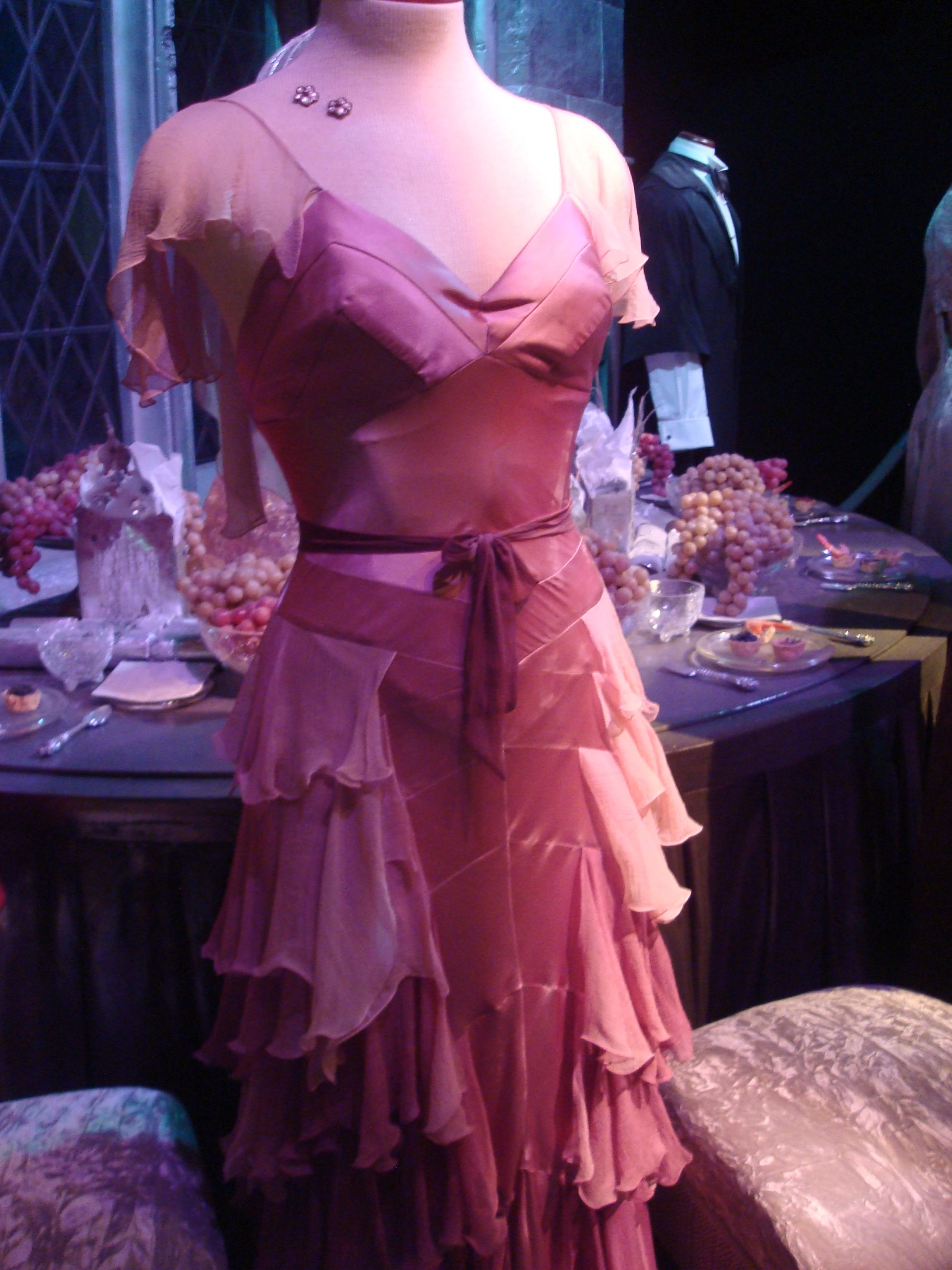 Hermione Granger Yule ball This dress should be blue