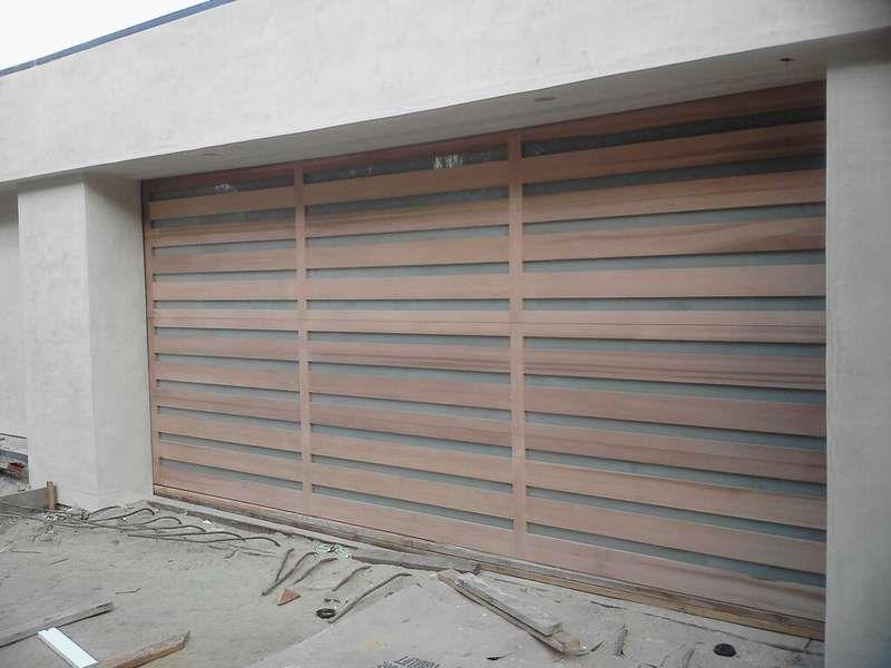 El Moderno Contmporary Wood Garage Door And Vertical
