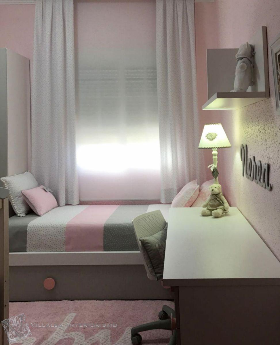Cortinas colcha y cojines para dormitorio de ni a en rosa for Habitacion matrimonio gris
