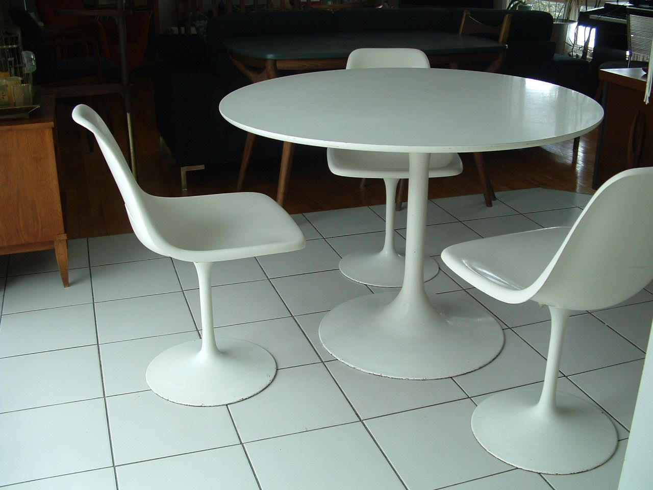 DONE Scored This Original Yo Knoll Eero Saarinen Tulip - Original tulip table