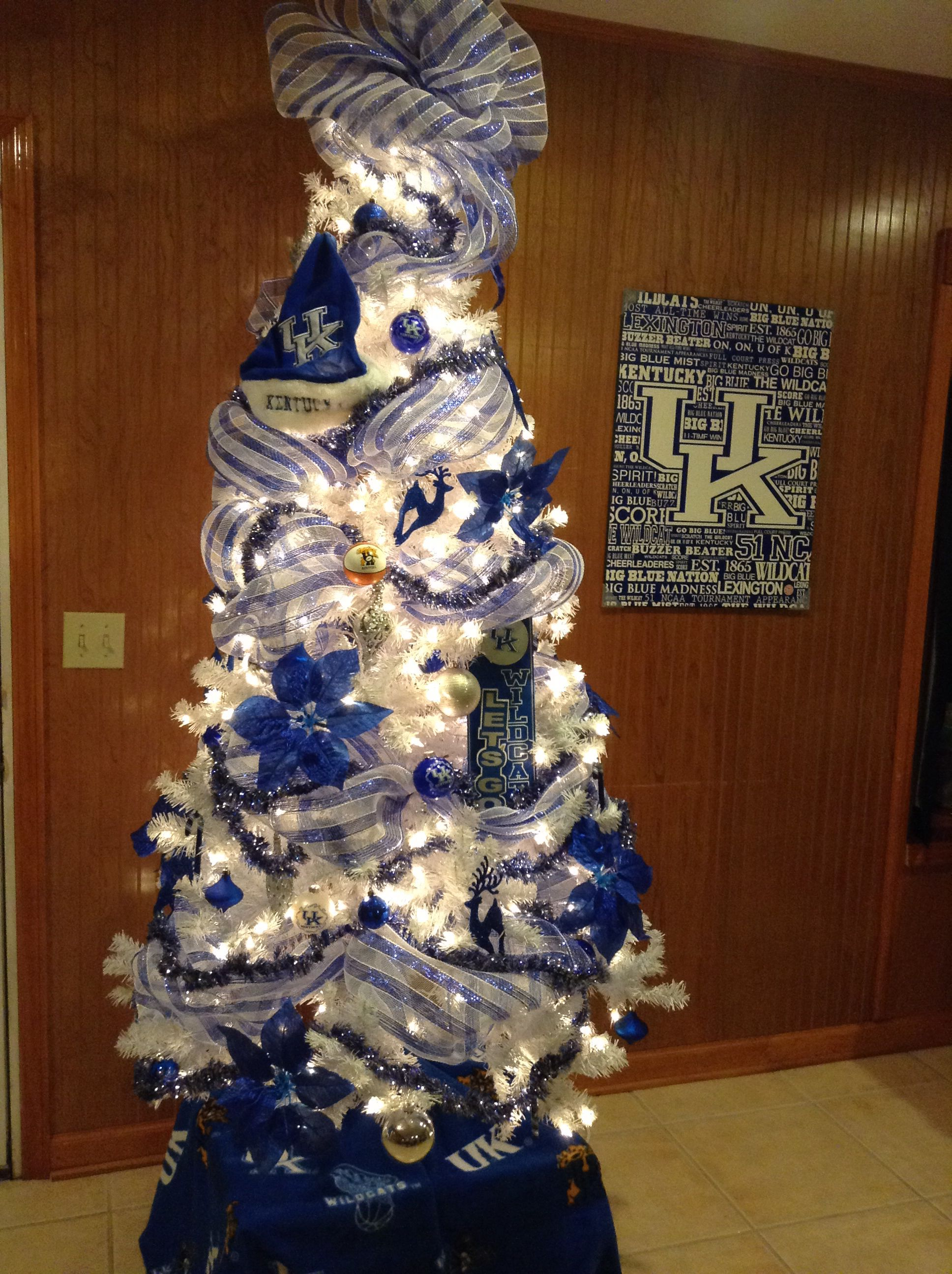 Uk Wildcats Christmas Tree I So Need This Lol Kentucky Christmas Tree Kentucky Christmas Christmas Decorations