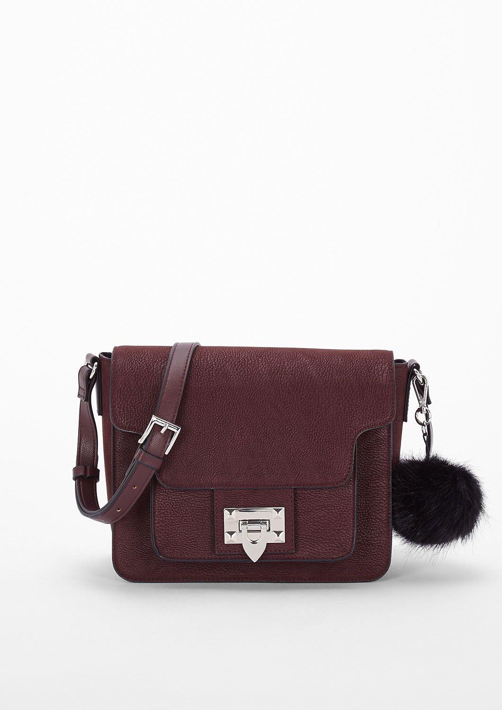 43a9bbecbb8ac City Bag mit Webpelz-Anhänger von s.Oliver. Entdecken Sie jetzt topaktuelle  Mode