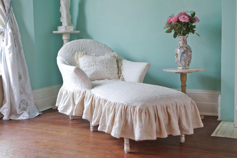 Chaise Lounge Shabby Chic Ivory Ruffle