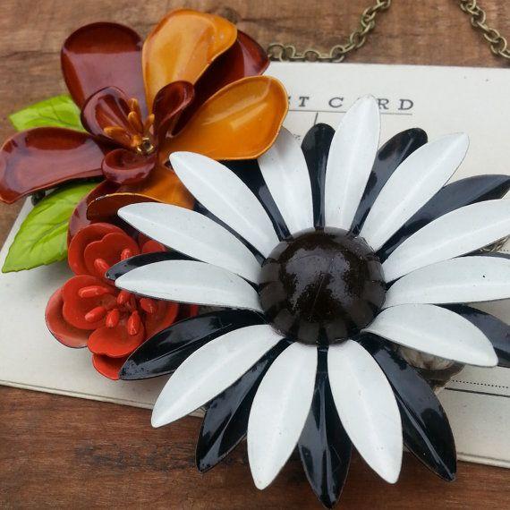 Floral Bib Statement Necklace Vintage Flower by beevintageredux