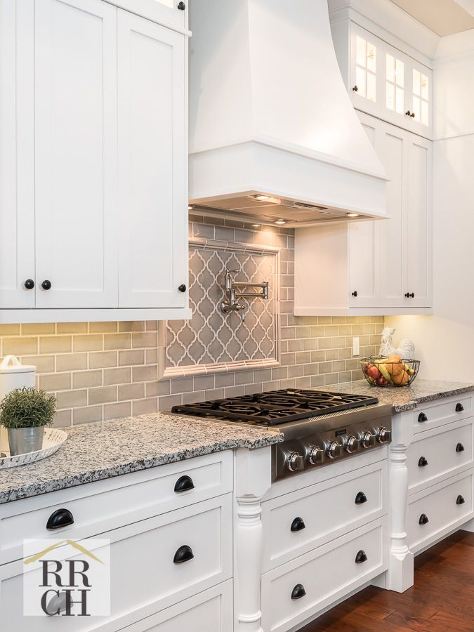 Best White And Gray Custom Kitchen Cabinets And Thermador 400 x 300