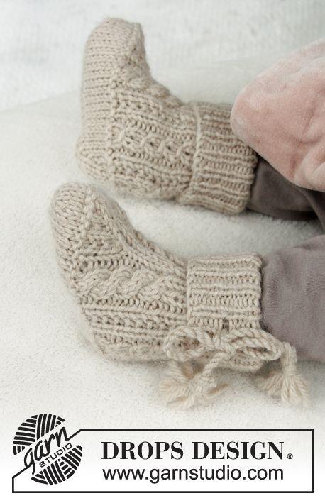 Photo of Aiden Socks / DROPS Baby 31-24 – Kostenlose Strickanleitungen von DROPS Design