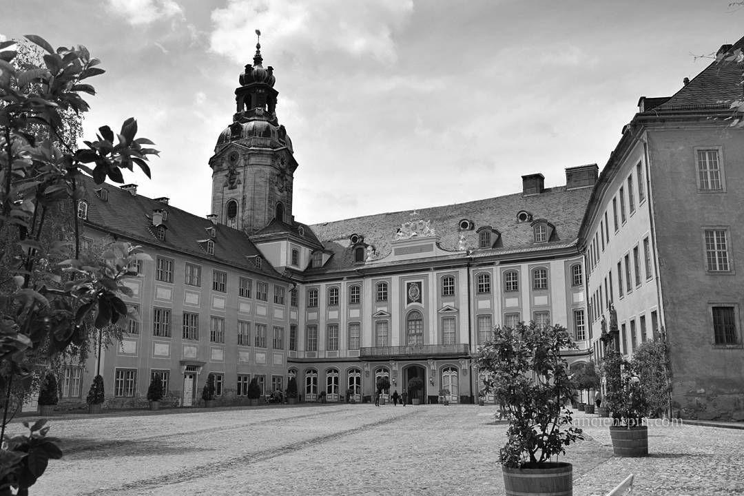#schloss #heidecksburg #schlossheidecksburg #castle #chateau #castello #castillo #ancientcastle #ancientpin ... #welltravelled #justbackfrom #followmetoo #whatsinmybag #cntravelereats #passportexpress #passionpassport #dametraveler #travel #history #architecure #photography #zamek #monumental_world #monument #castles_oftheworld #manor_n_castle #architecturelovers #bnw_cdm http://ift.tt/1Tfsxxn