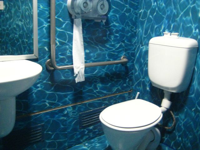 Talk About An Underwater Themed Bathroom These People Take It Seriously Great Paint Job To Get The Point Ocean Bathroom Sea Bathroom Decor Bathroom Themes