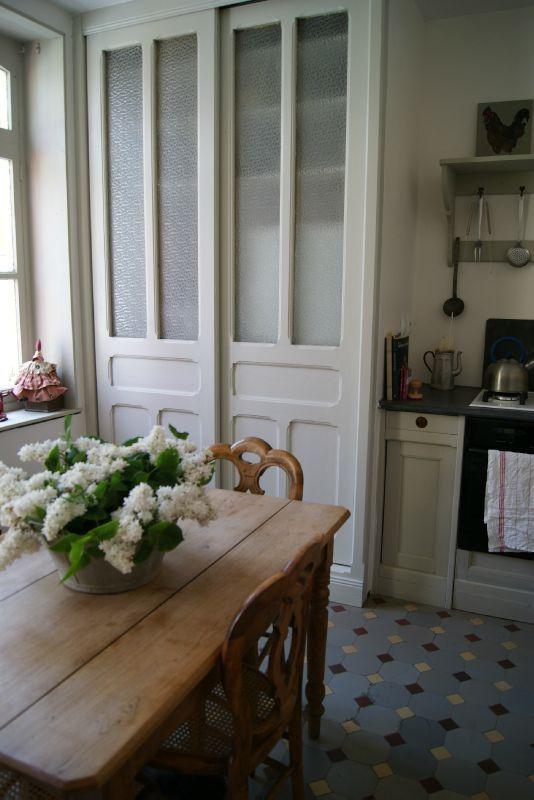 idée placard coulissant cuisine \u2026 Pinteres\u2026 - comment poser des portes de placard