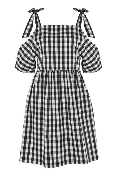 Schulterfreies Kleid mit Vichykaros von Glamorous Petites | Mikro ...