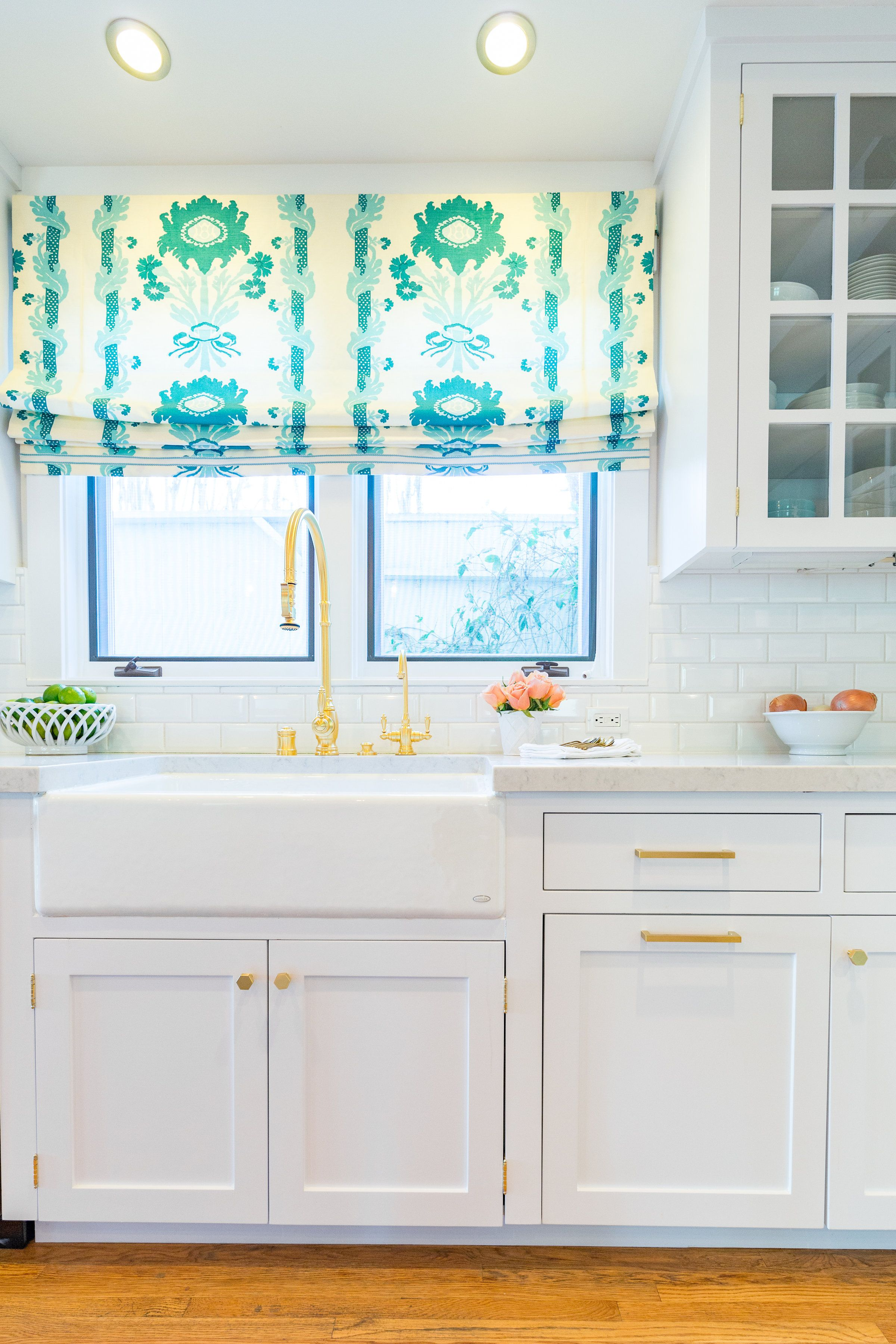 Fresh kitchen vibes ::: quadrille henriot floral + brass hardware + ...