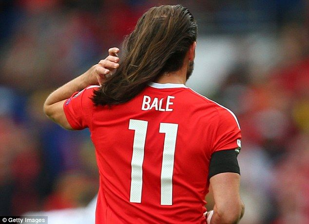 Gareth Bale Shows Off His Lengthy Locks During Wales 1 1 Georgia Gareth Bale Gareth Bale Hair Baling