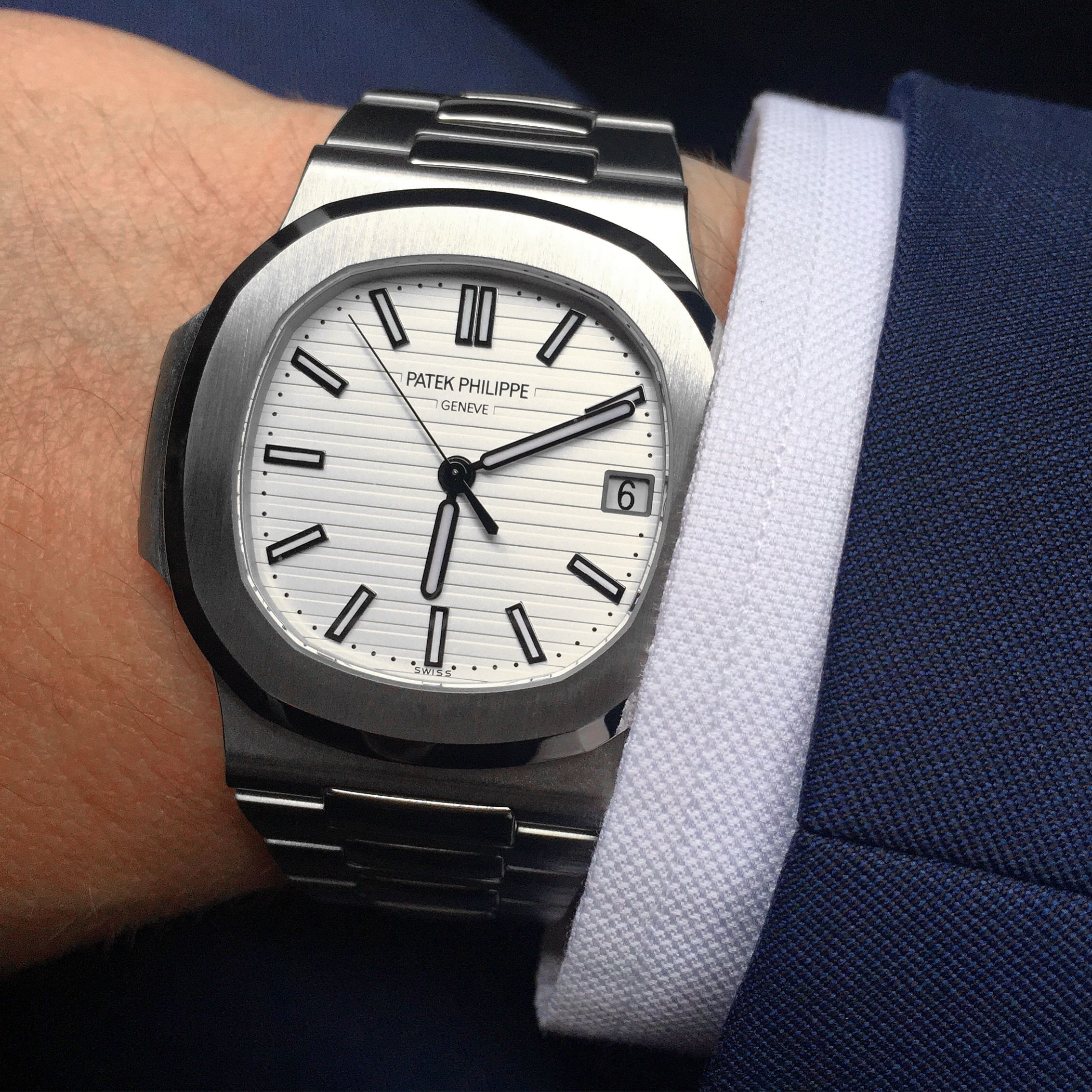 """PROFESSIONAL WATCHES: REVIEW: My Grail is a """"Garage Door"""" aka the Patek Philippe Nautilus white dial reference 5711"""