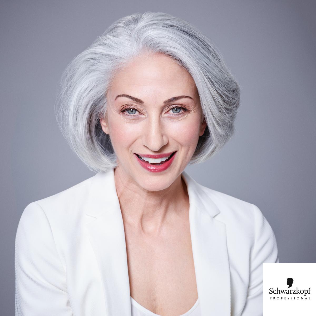 Essential Looks 2015 2 Age Of Beauty Az Erett Hajak Szakertoje Meg Tobb Info Www Szinezdujra Com Hair Styles Medium Hair Styles Silver Hair