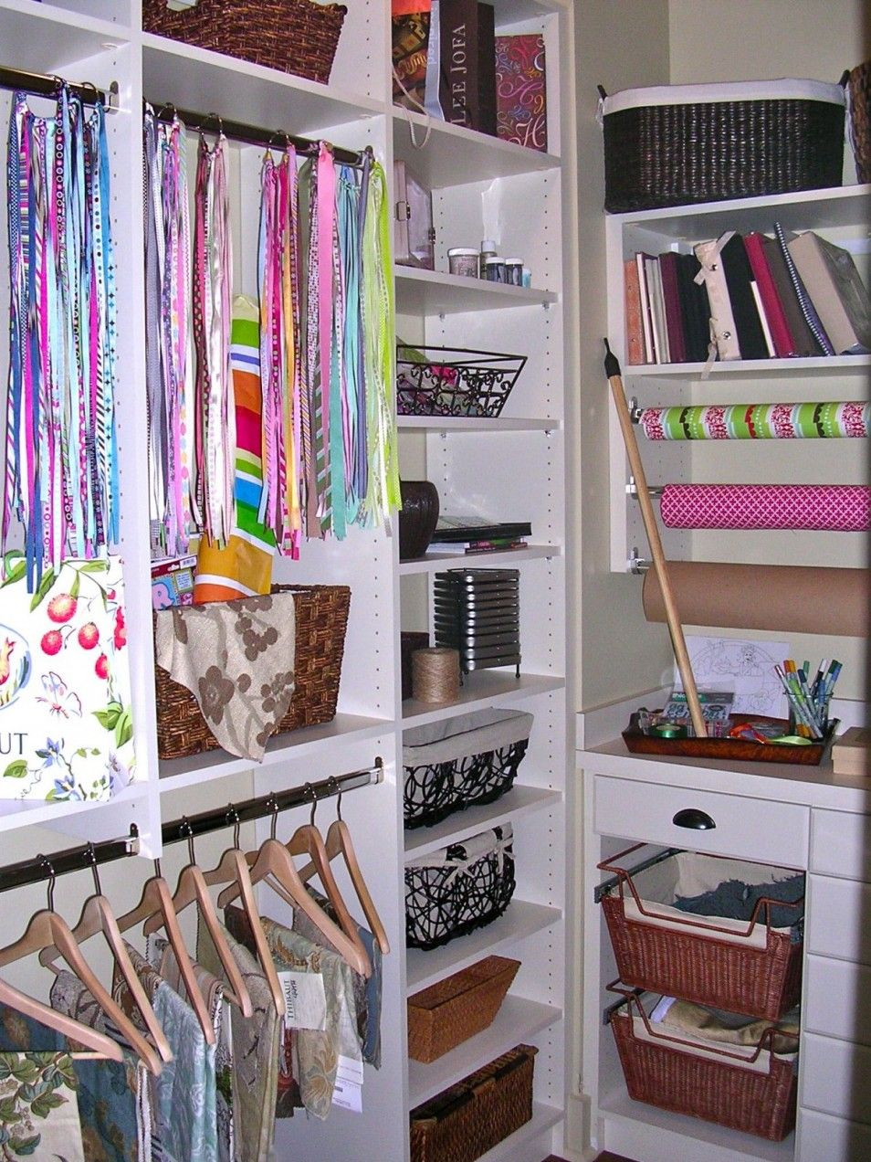 The Beautiful And Modern Girl Closet Ideas At Interior Home Room Bedroom Amazing Green Color Bedrooms