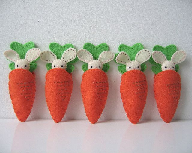 Idee Pasquali In Feltro : Itty bitty pocket bunny with carrot pouch pink tail pasqua