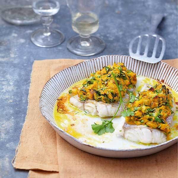 Mit diesem Rezept bringen Sie Eleganz in die Alltagsküche: Die raffinierte Auflage aus Toast, Hokkaido und frischen Kräutern sorgt für einen festliche...